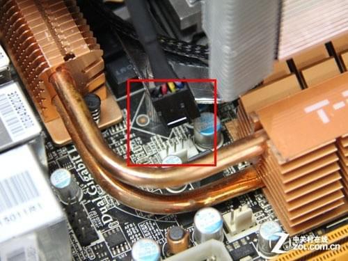 塔式散热器的方向能够影响机箱内部的整体风道,散热风扇的作用是将