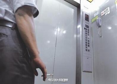 电梯劝烟猝死案二审宣判:劝烟者无责,不用赔钱