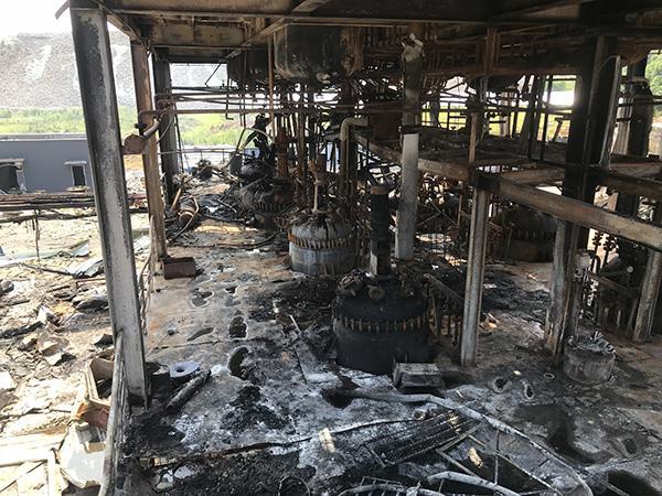四川江安爆燃19名遇难者中8名女性 有人来出差遇难