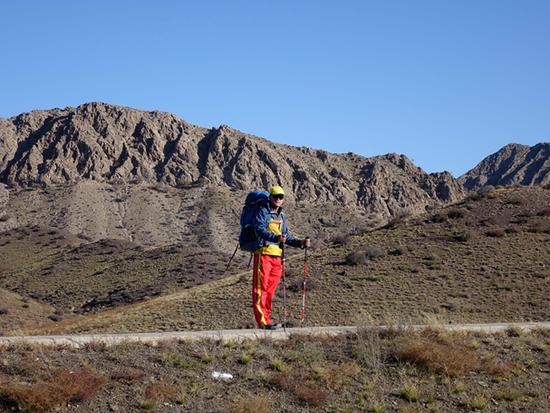 盲人男子游35国31省市:本计划西藏旅行后结束生命