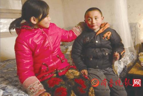 济南:母丧父残,女生轻微智障谁来帮帮这个10岁蝙蝠衫穿弟弟图片
