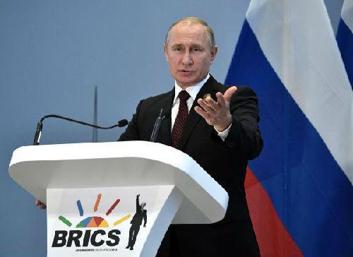 资料图片:27日,俄罗斯总统普京在南非金砖国家峰会后举行的新闻发布会上发言。(俄罗斯卫星通讯社/路透社)