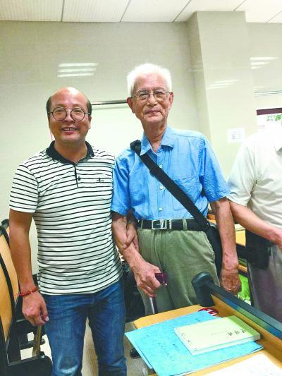 武汉老年大学最抢手的老师!有人追随他10年