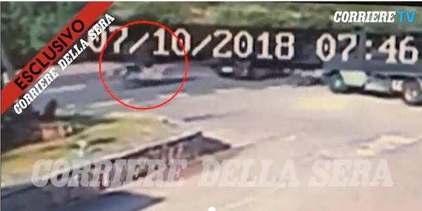 乔治・克鲁尼车祸画面曝光 空中飞数米坠落