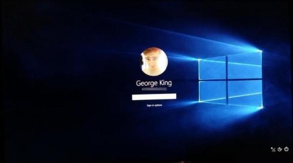 微软新专利:基于用户的生物特征验证身份的照片