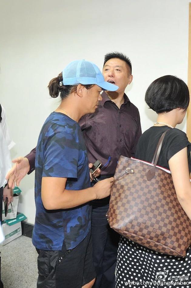 王宝强法院正式诉离婚 要求孩子抚养权
