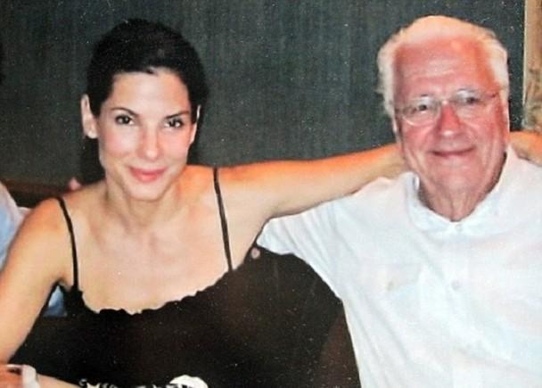 二战英雄 奥斯卡影后桑德拉·布洛克父亲去世