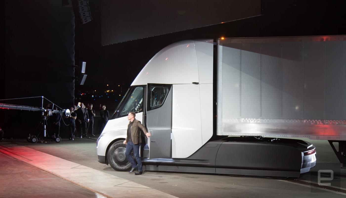特斯拉发布电动卡车,5秒破百、续航800公里!