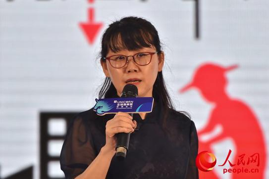 拼多多高级副总裁许丹丹 人民网记者翁奇羽摄