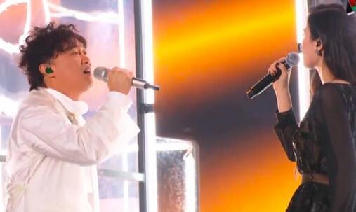 陈奕迅飙唱《不该》 看着周董喊:太难我只能苦练