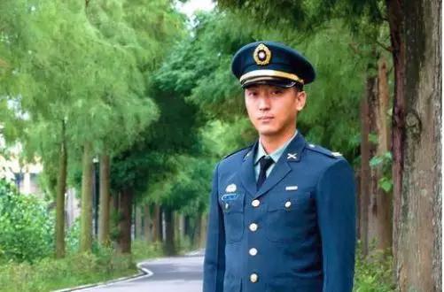 台军官宣布退伍:我是中国人 绝不为分离主义而战