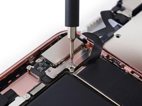 iPhone 7 Plus拆解:2900mAh容量电池的照片 - 13