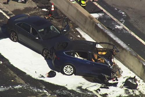 Model X车祸致死 特斯拉证实辅助驾驶功能当时激活