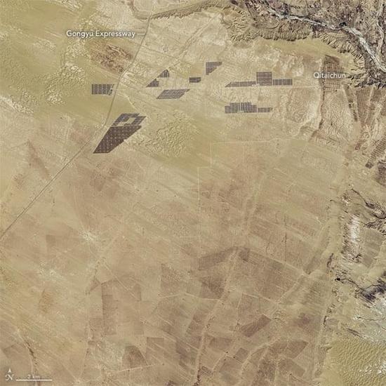 NASA从太空中捕捉到全球规模最大太阳能发电站的画面