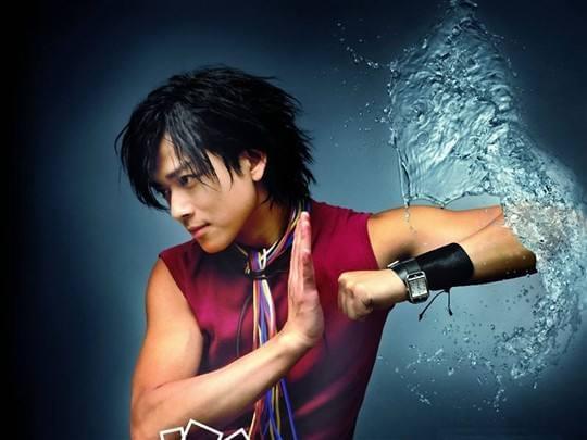 陈晓东自组公司准备明年开个唱 与妻同练肌肉备战