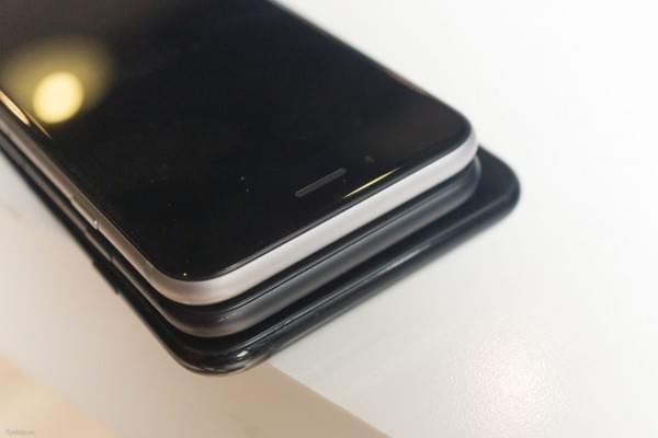 哑光黑和亮黑色iPhone 7划伤后会怎么样?的照片 - 6