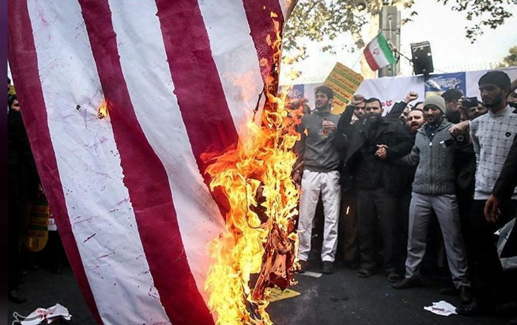 """伊朗总统称将""""自豪地绕过""""美国制裁:石油继续卖"""