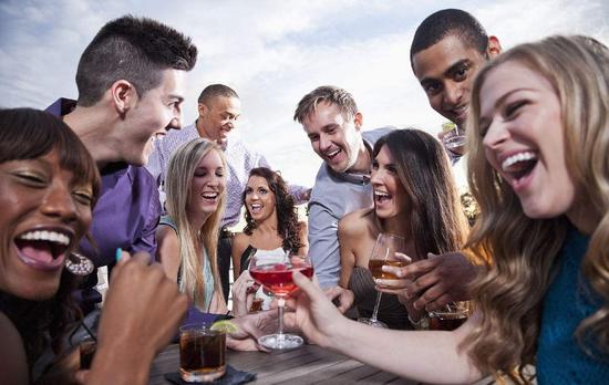 65%美国人认为自己比普通人聪明 年轻男性尤甚!