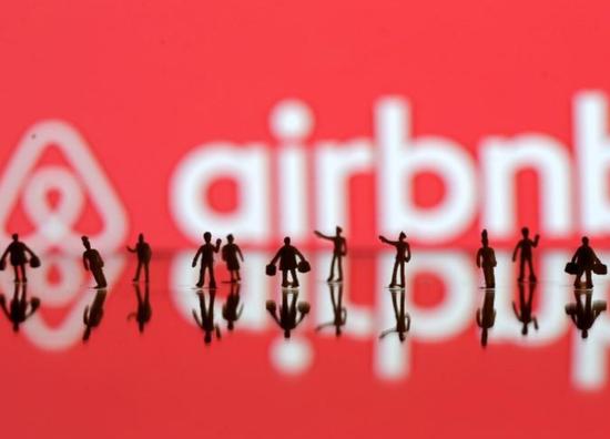 Airbnb调整两大高管 但今年仍不会上市