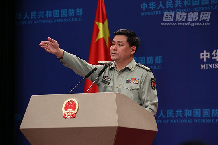 刷存在感?美媒称美国军舰闯入中国南沙群岛12海里