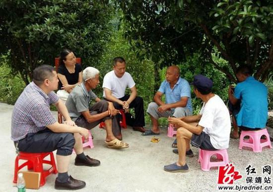 靖县农机局与帮扶村党支部开展双向组织生活会