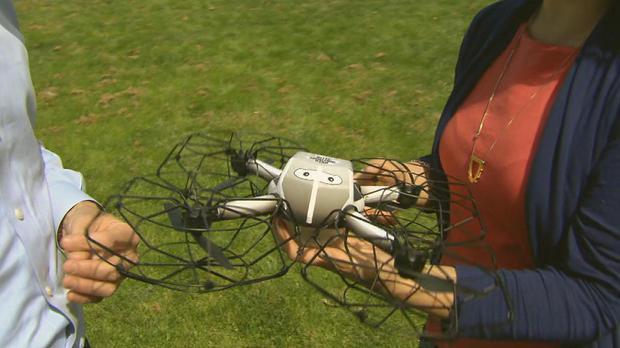 害怕山火,美国国庆有城市用无人机表演代替焰火