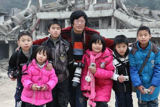 地震孤儿:每年5月都要被提醒自己地震孤儿身份