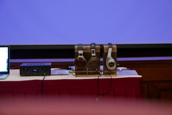 天龙旗舰耳机D7200实拍 采用实木外壳的照片 - 12