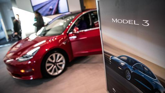 美杂志评特斯拉Model 3:驾驶感强,但缺陷也不少