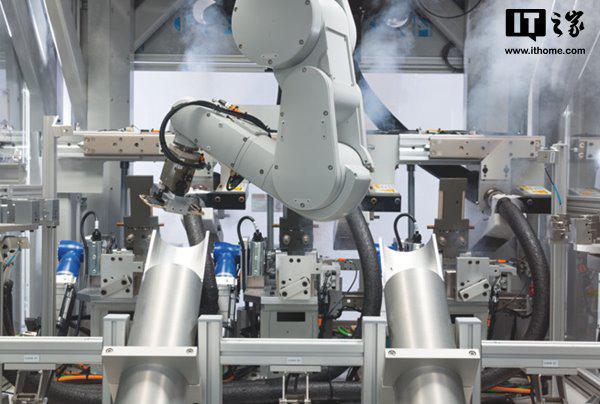 苹果新款回收机器人上线:一小时拆200部iPhone