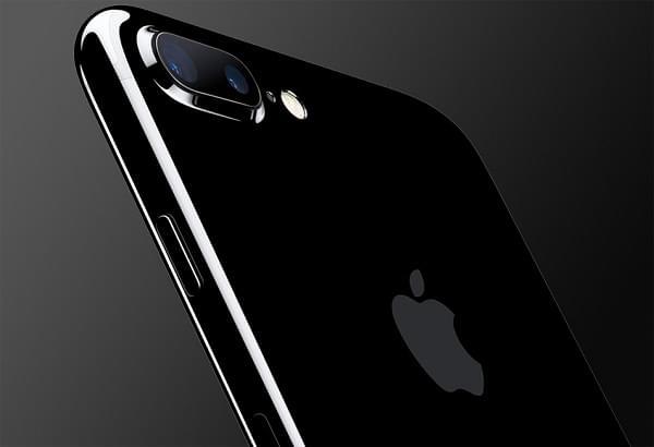 部分iPhone 7 Plus用户反映遇到摄像头无法使用的故障的照片