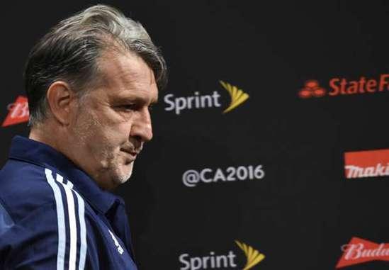 阿根廷主帅马尔蒂诺辞职 梅西或回归 - 网易青