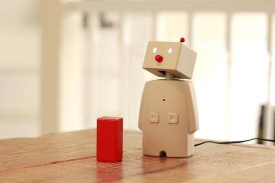 日媒:萌宠智能机器人大盘点 一言不合就跳舞