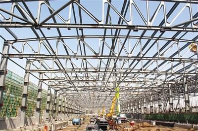郑州东动车所扩容工程 钢结构主体吊装完成