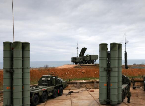 """美国要""""制裁""""中国军方人士 中国愤慨俄罗斯也怒了"""