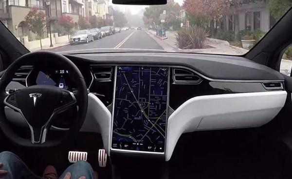 特斯拉Autopilot 2.0展示(图片来自网络)