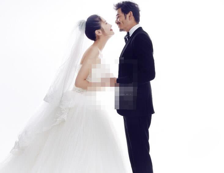 杨烁王黎雯本月补办婚礼 结婚8年儿女双全