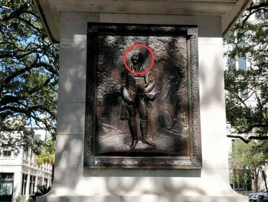 美独立战争名将雕像被人装上眼睛 官方:这是犯罪