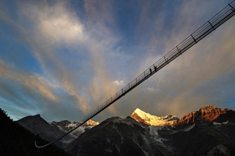 全长494米!世界最长人行吊桥落成