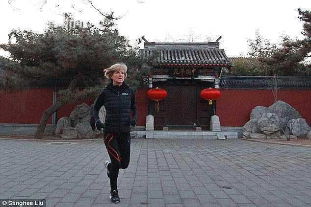 澳前女外长称晨跑把中国保镖甩身后 欲和王毅晨跑