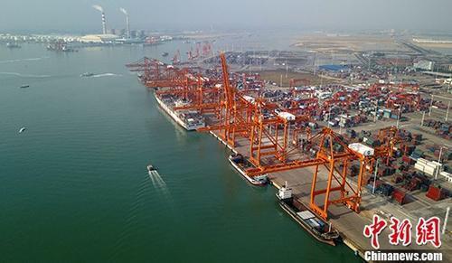 海关总署:前三季度中国外贸进出口同比增长9.9%