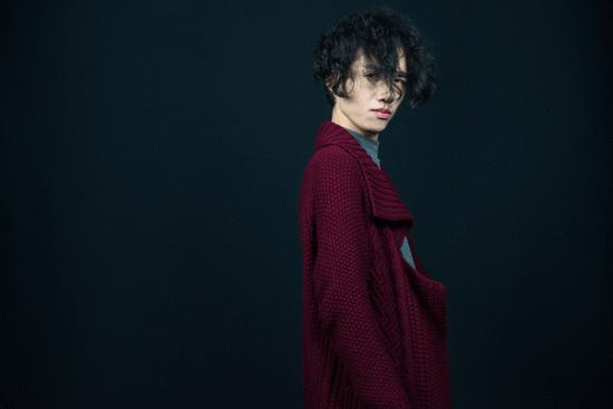 华语歌手齐飞云推出新歌《本草纲目》受粉丝热捧