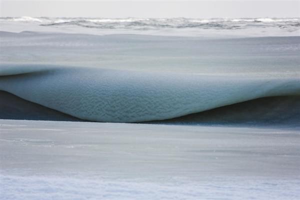 美国81年来最冷冬天:海浪都被冻上了的照片 - 5