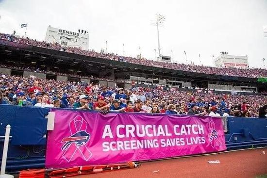 NFL赛场的粉红海洋,一场以公益为名的体育营销