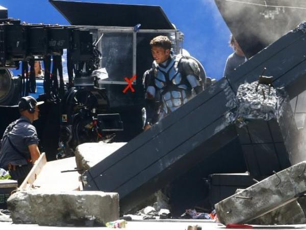 《环太平洋2》两位主角剧照曝光的照片 - 3