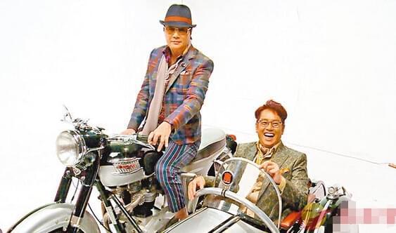 许冠杰(左)和谭咏麟(右)合作新歌。