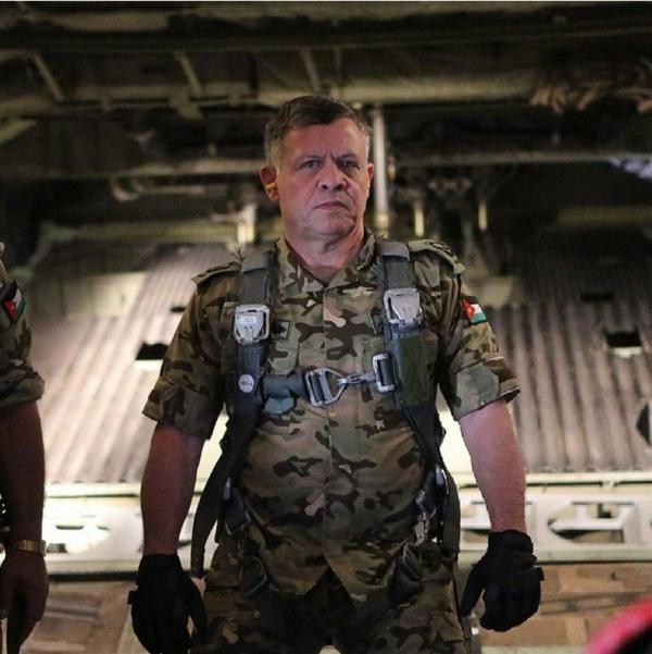 约旦国王父子玩真人CS:对内威慑恐袭对外争取援助