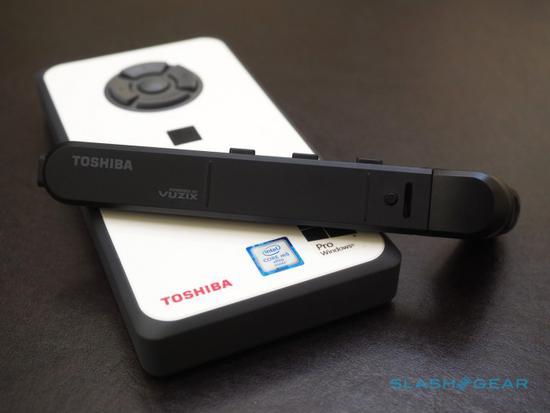 东芝推出AR辅助现实眼镜 搭配口袋电脑使用
