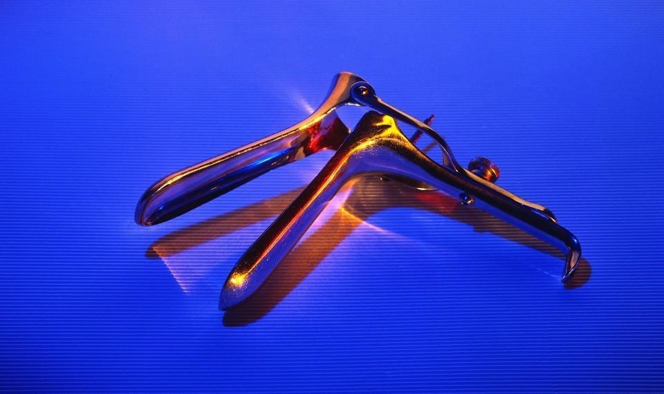 窥阴器黑历史:曾是男医生公开检查女生殖器的工具