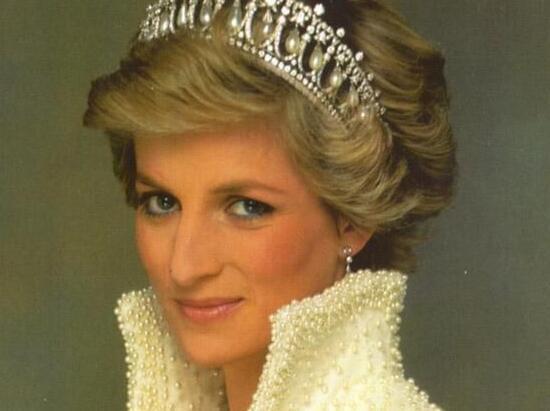 戴安娜王妃逝世20周年 威廉王子兄弟纪念母亲